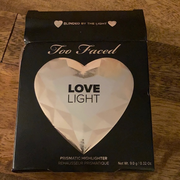Too Faced Love Light Highlighter in Blinded by the Light
